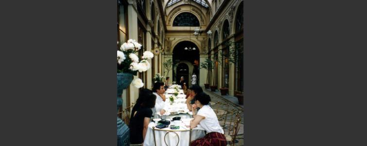 ロバ社とギャラリー ヴィヴィエンヌ(パリ)にて